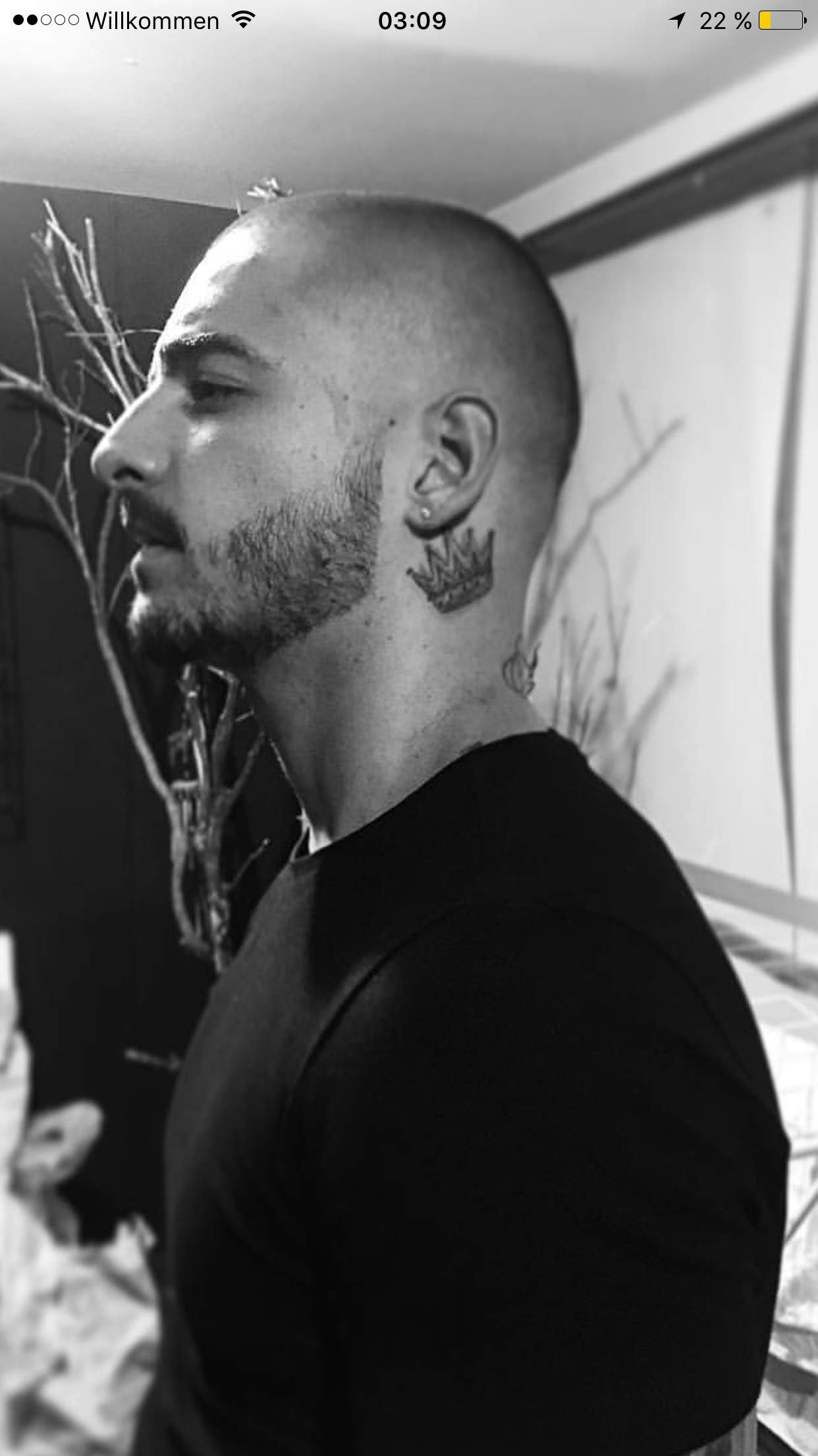 Tattoos männer hals kleine 100+ kleine
