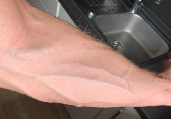 Tattoo am Unterarm - sieht man die Venen noch?