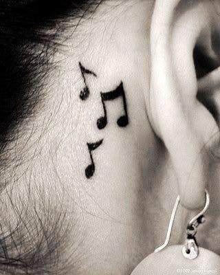 hinterm Ohr - (Körper, Tattoo)