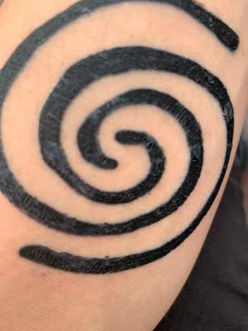 Tattoo heilt schlecht. Was kann ich tun? (Heilung)