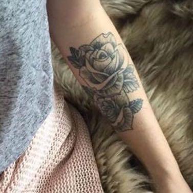 tattoo kosten preis rosen. Black Bedroom Furniture Sets. Home Design Ideas