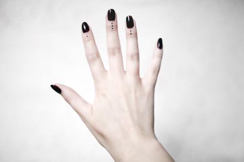 Tattoo Preis Kleine Punkte Auf Den Fingern