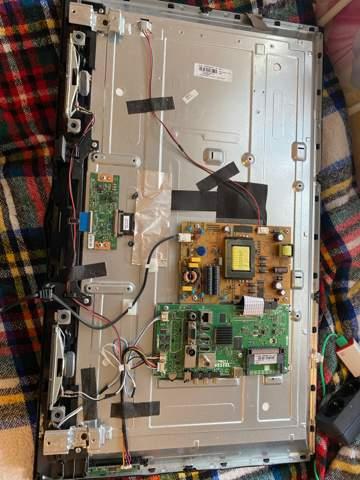 Telefunken D32H289N4CW Smart Tv geht nicht an. Was tun?