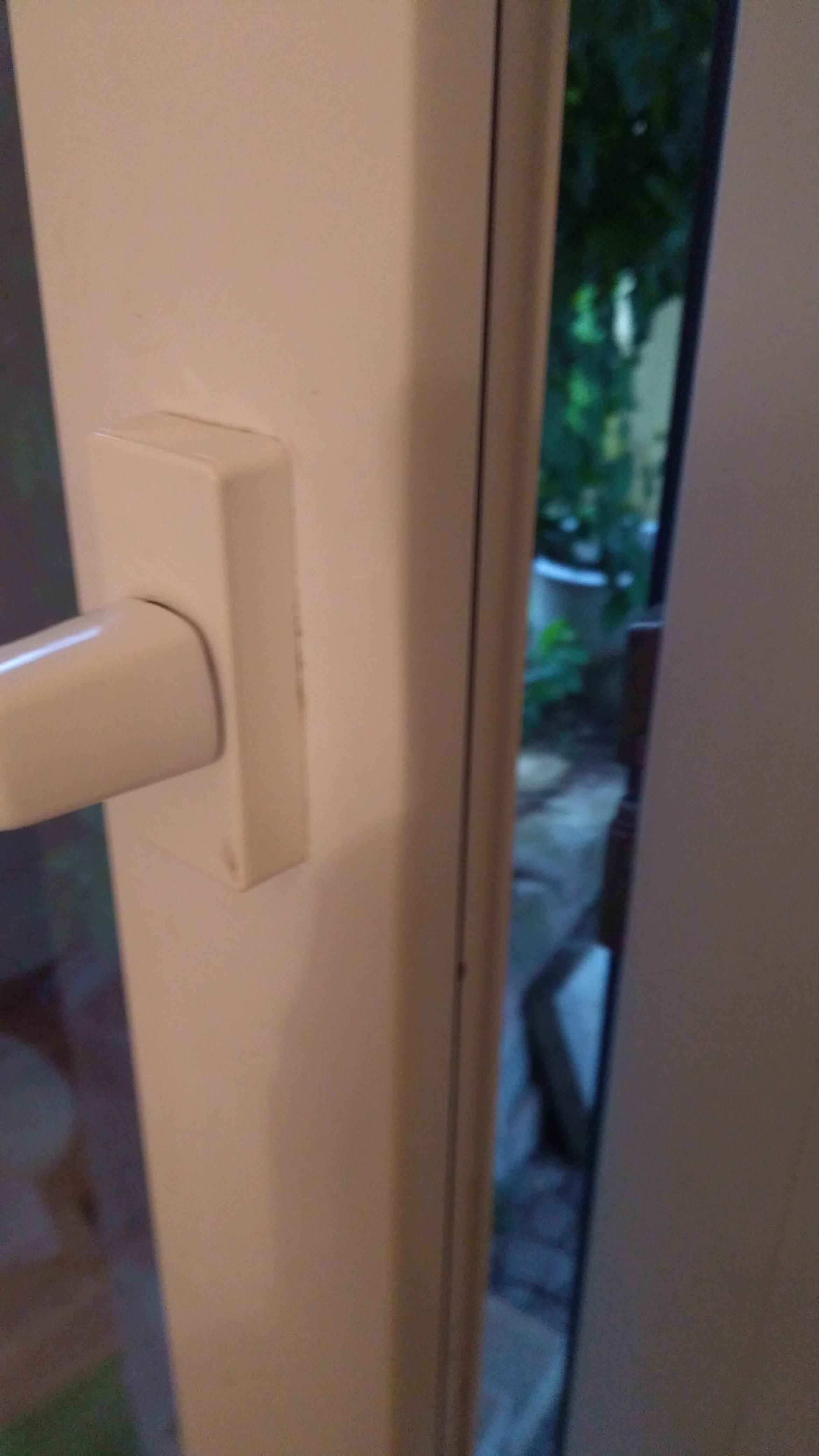 Balkontür Scharnier Gebrochen terrassentür hängt? (fenster, handwerker, tür)