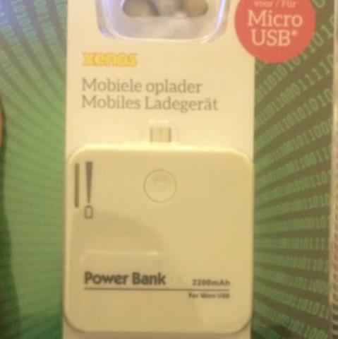 Hier einmal - (Handy, Powerbank, wichtelgeschenk)