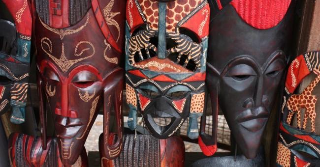 tipps um eine afrikanische maske zu basteln kunst ton holz. Black Bedroom Furniture Sets. Home Design Ideas