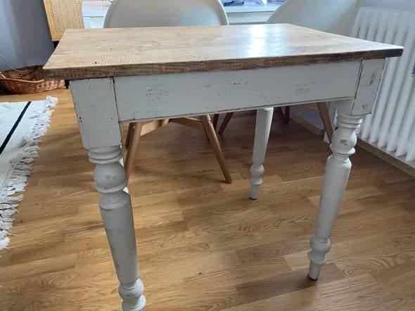 Tisch für Klarlack geeignet (um auf den Balkon zu stellen)?