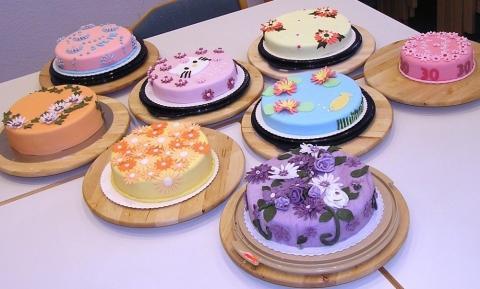 Torte bestellen wo shop dekoration for Dekoration bestellen