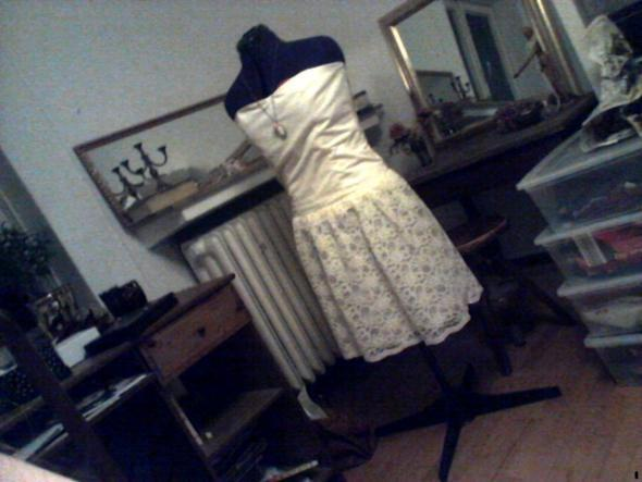trägerloses Leid in creme - (Mode, Kleid, nähen)