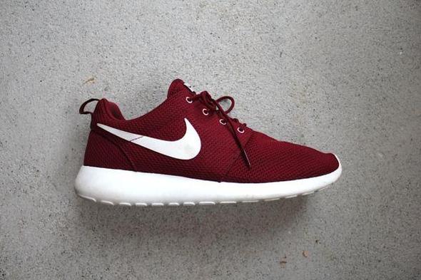 Nike Roshe Run - Weinrot - (Schuhe, Laden, ausverkauft)