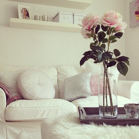 Plastikblumen U0026 Vase   (Möbel, Tumblr, Dekoration)