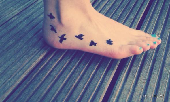 Tattoo fuß schriftzug