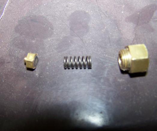 Detail Überdruckventil - (KFZ, schweißen, Schutzgas)