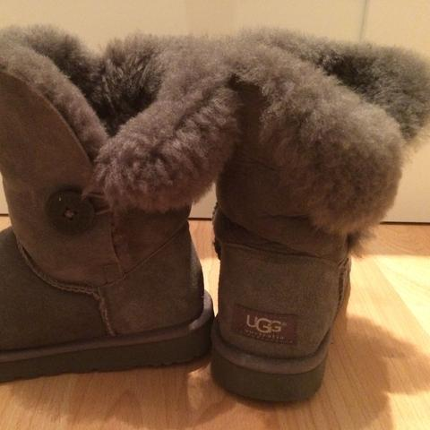 UGGs klappen um :( (Mode, Schuhe, Winter)