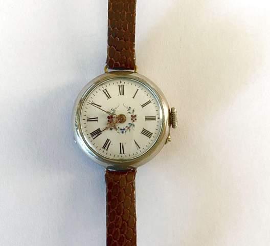 Um was für eine Uhr handelt es sich; Alter?