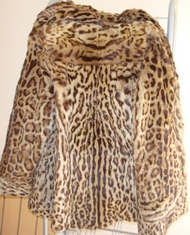 Jacke von hinten - (Pelz, Leopard, Raubkatzen)