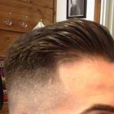 Dieser hier - (Haare, undercut)