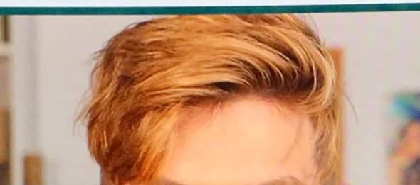 Unter welchem Namen kann ich diese Haarfarbe nachkaufen?