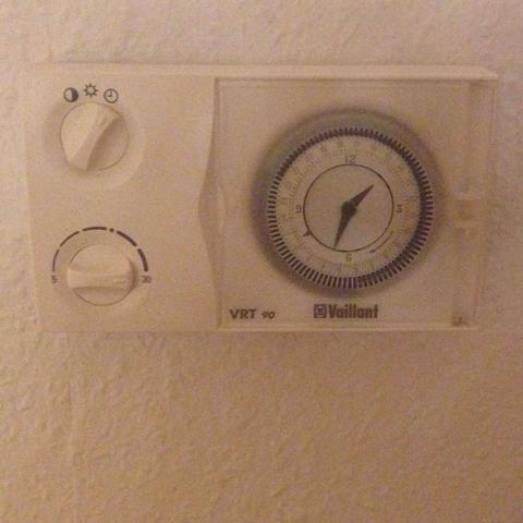 thermostat heizung einstellen excellent bildtitel set a thermostat step with thermostat heizung. Black Bedroom Furniture Sets. Home Design Ideas