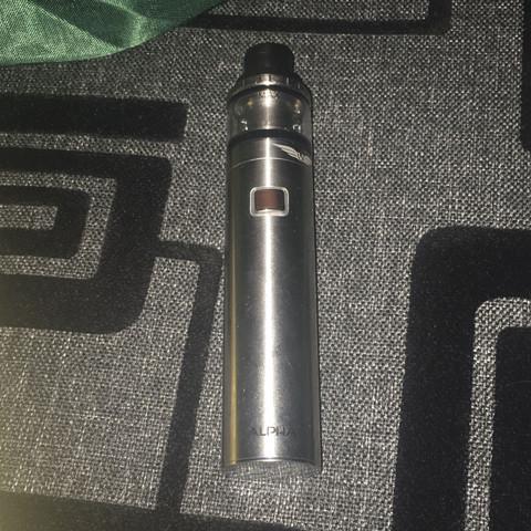 Das ist die e Zigarette  - (e-zigarette, Liquid, vase)