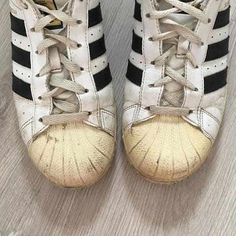 Verfärbung Adidas Superstars? (Schuhe, waschen, putzen)