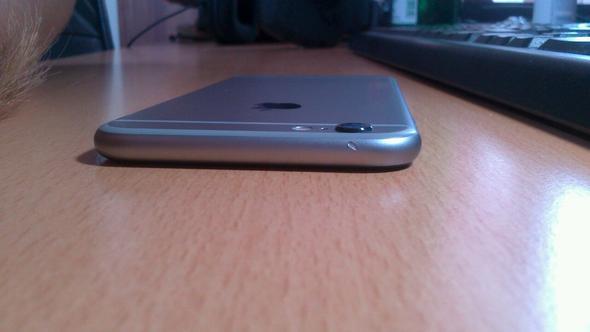 Kann ich den Verkäufer anzeigen weil das iPhone wegen der Handyhülle ein Loch hat?