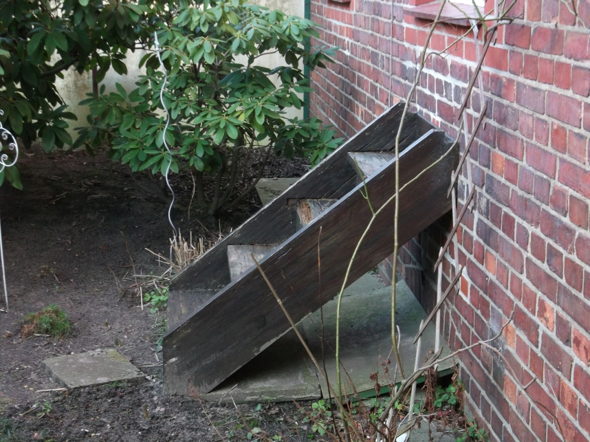 verkehrssicherungspflicht vermieter nutzung einer treppe sicherheit mieter verbot. Black Bedroom Furniture Sets. Home Design Ideas