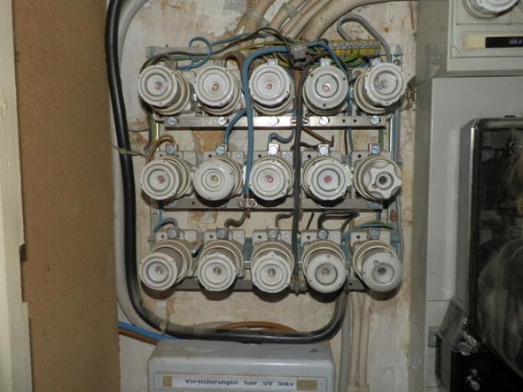 Bild 1 - (Strom, elektro, Sicherung)