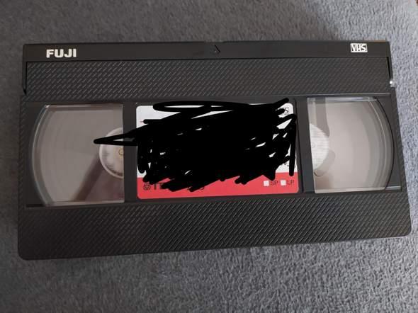 Videokassette richtig einlegen?