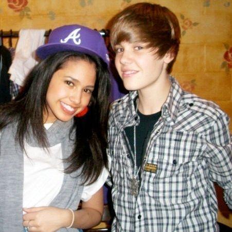 Jasmine mit der Kappe - (Marke, Justin Bieber, Cap)