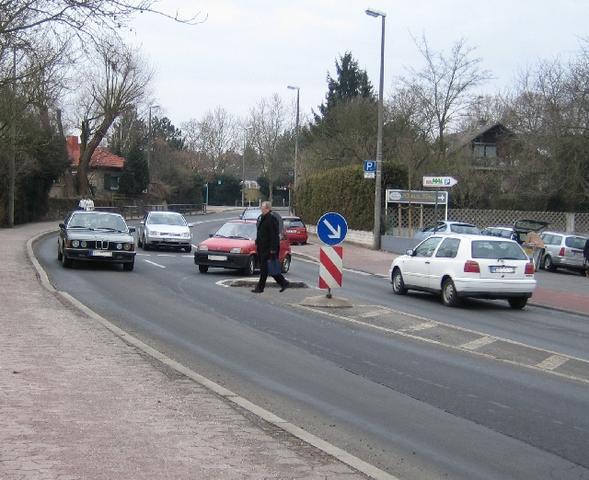 Fußgängerüberweg - (Auto, Straßenverkehrsordnung, Fußgänger)