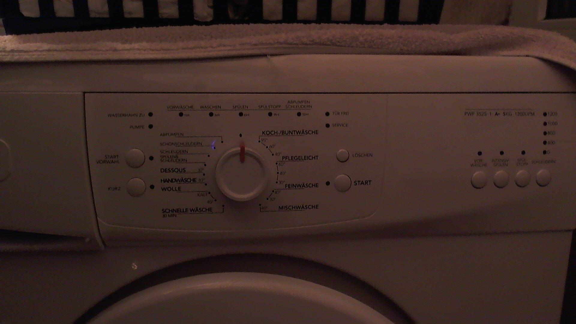 w sche waschen aber wie wie stell ich die waschmaschine. Black Bedroom Furniture Sets. Home Design Ideas