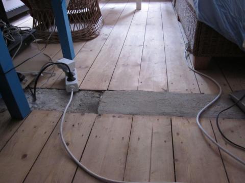 Wand im Haus weggerissen. Was mache ich mit Übergang im Dielenfußboden?
