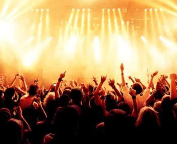 Wann wart ihr zum ersten Mal auf einem Konzert (von wem)?
