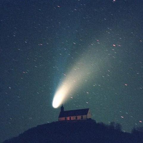wann wird man den n chsten kometen beobachten k nnen. Black Bedroom Furniture Sets. Home Design Ideas