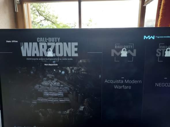 Warim kann ich nicht Warzone auf meiner Ps4 slim spielen?