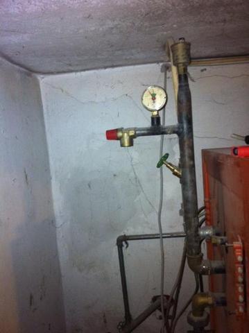 Warmwasser ablassen bei Zentralheizung für Umwälzpumpentausch ...