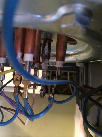 warmwasser boiler kupferst be geplatzt technik wasser sanit r. Black Bedroom Furniture Sets. Home Design Ideas