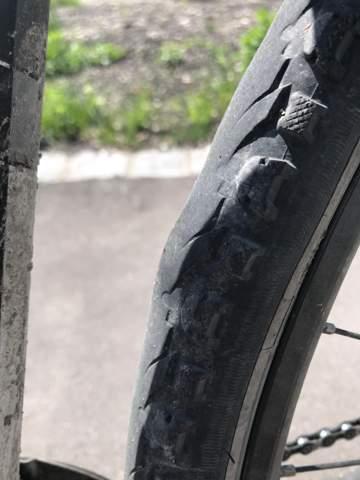 Warum hat mein Fahrradreifen auf einmal so einen Buckel/Auswölbung, was ist das?