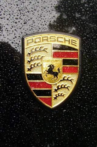 Warum hat Porsche Hirschgeweihe auf ihrem Logo?
