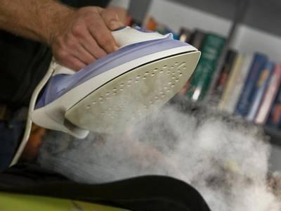 Heiße Luft erleichtert das Bügeln : ) - (Physik, Chemie, Natur)