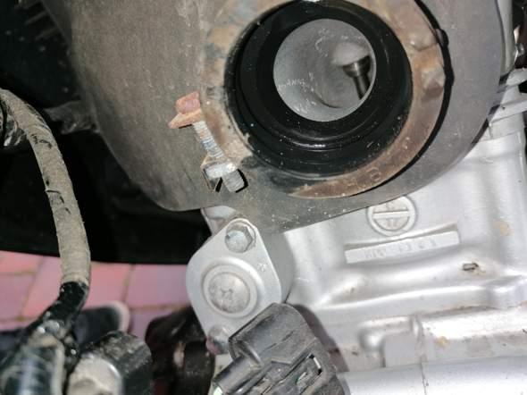 Warum kann man die Honda Cbr JC50 nicht aufmachen?