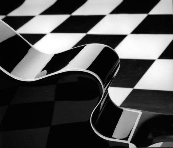 warum passt schwarz und wei so gut zusammen geometrie rat kunst. Black Bedroom Furniture Sets. Home Design Ideas
