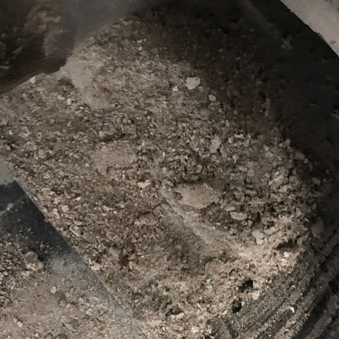Brocken Asche - (Heizung, Handwerk, Hausbau)