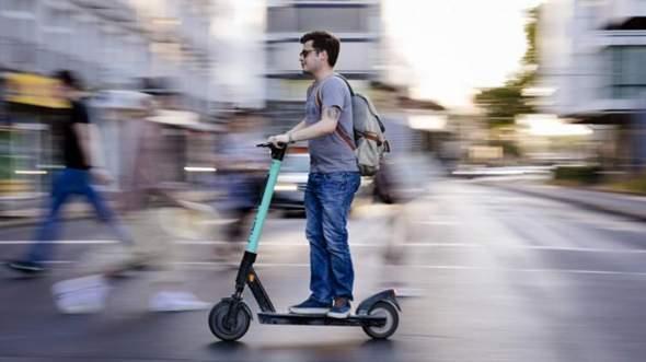 Warum sind diese escooter ab 18?