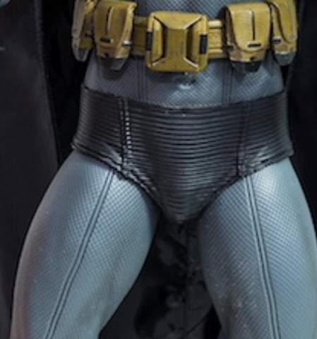 Warum tragen Superhelden ihre Boxershorts über ihr Kostüm?