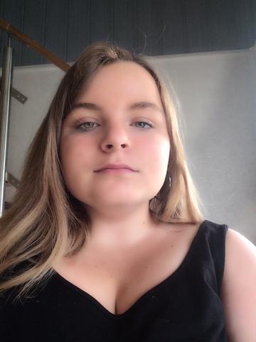 Warum werde ich(13)immer 4 Jahre jünger(9)geschätzt obwohl ich weiblich ausgeprägt bin?