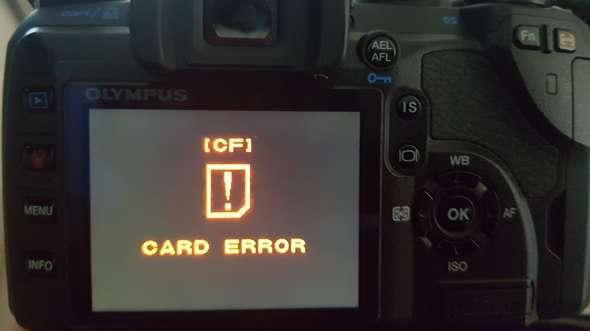 """Warum zeigt meine digitale Spiegelreflex Kamera den Fehler """"CF CARD ERROR""""?"""