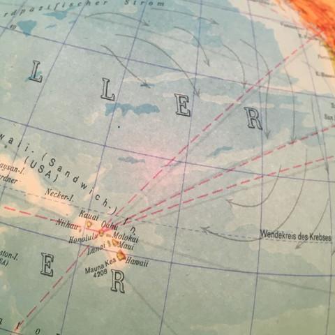 Gestrichelte rote Linie  - (Welt, Geografie, Globus)