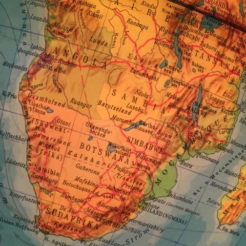 Durchgehend rote Linie  - (Welt, Geografie, Globus)
